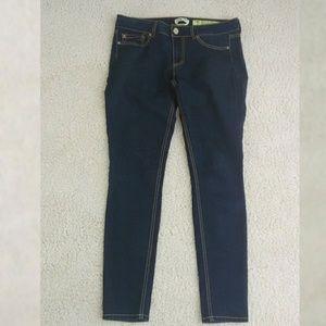 2/$50🐝Dark wash juniors 11 skinny jeans